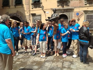 Singing outside Puccini's birthplace in Lucca.
